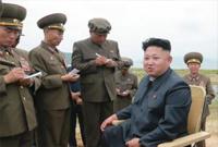"""金正恩观摩并指导国防科学院进行的""""新型战术制导武器""""试射"""