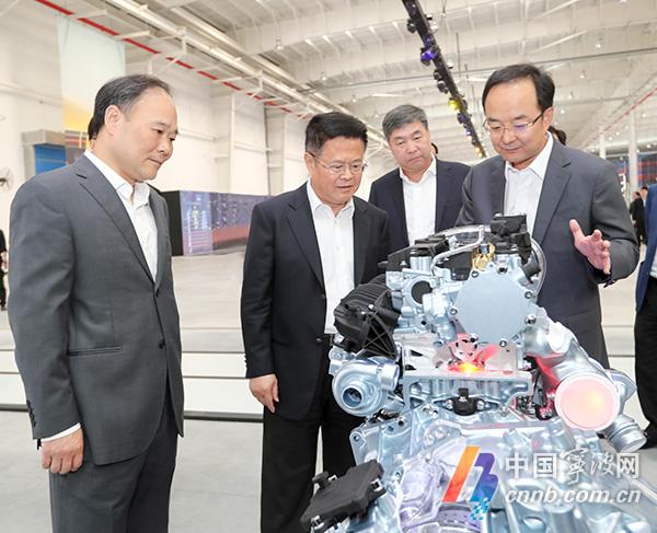 郑栅洁点赞吉利 在宁波建设万亿级汽车产业集群中领跑快跑