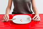 18岁少女吃完就吐精光 暴瘦40斤出现心理问题