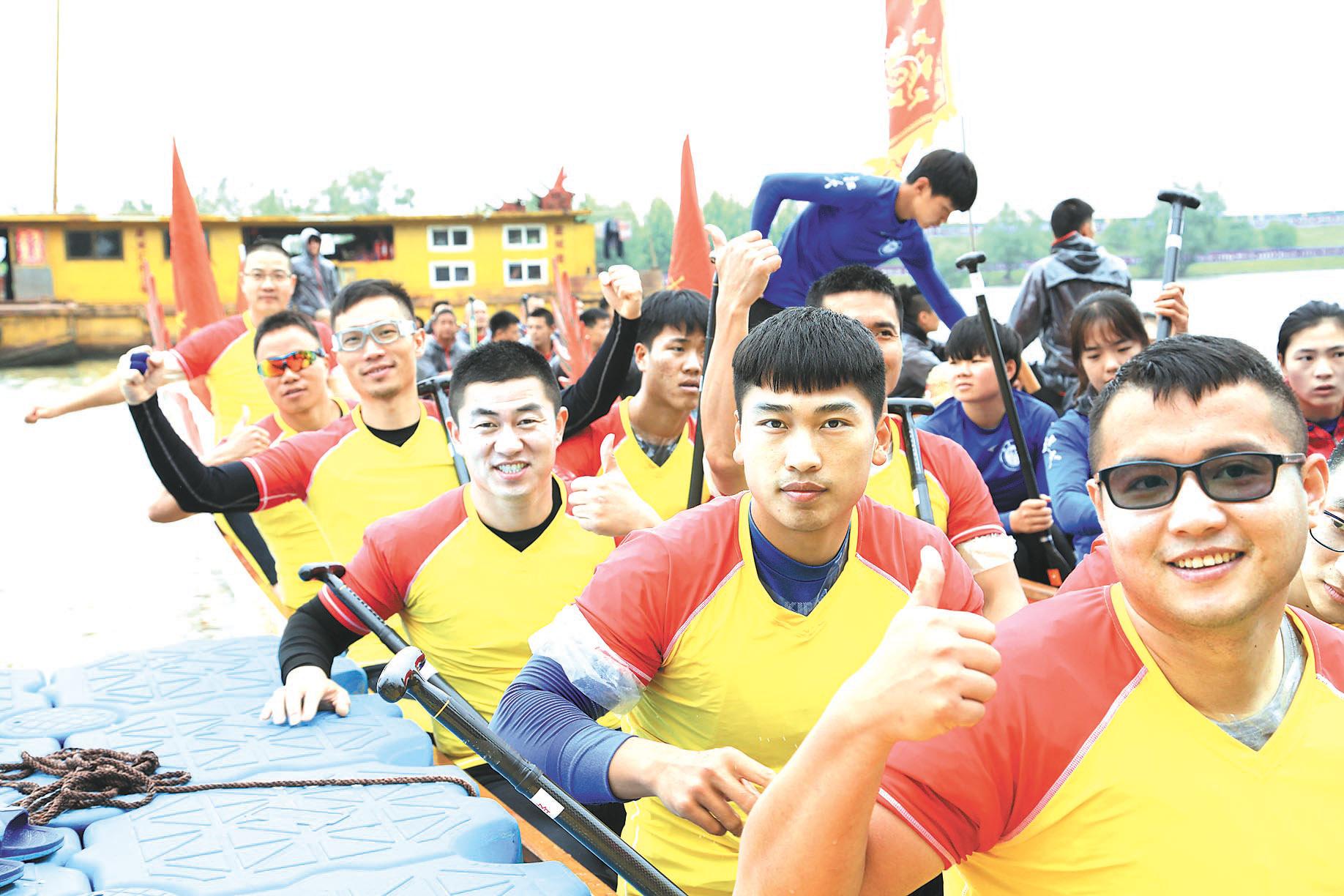 云龙代表队创中华龙舟赛最佳战绩
