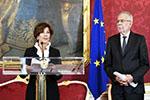 奥地利总统任命临时总理 该国历史上首位女总理诞生