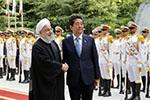 调解美伊关系? 安倍成1979年以来首位到访伊朗的日本首相