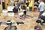 深圳一男童被坠窗砸中致死 小区已更换部分窗户