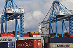 美国费城一港口查获近15吨可卡因 市价或超10亿美元