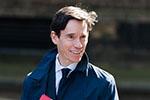 """英国下任首相选战现黑马:疑似间谍的""""局外人""""欲阻击鲍里斯"""