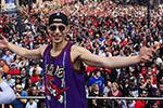 全世界亚裔的骄傲!林书豪获得NBA总冠军