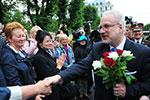 拉脱维亚新总统列维特斯宣誓就职