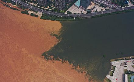 湘江长沙段水位?#20013;?#26292;涨