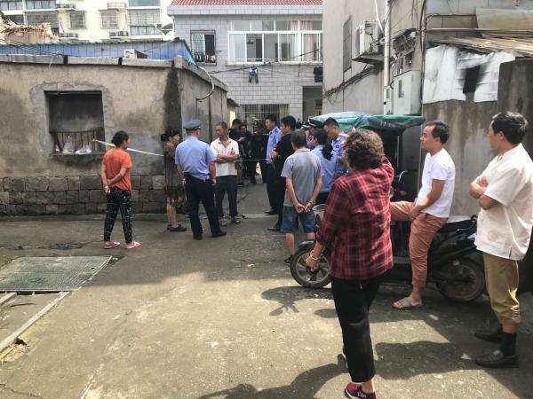 奉化吴墩村一两层农居楼倒塌 初步调查系煤气闪爆所致