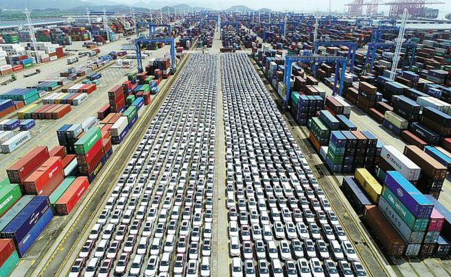 宁波舟山港梅西滚装码头 3449辆汽车整装待运