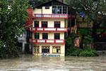 印度喜马偕尔邦暴雨造成至少18人死亡