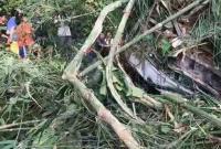 中国旅行团在老挝发生严重车祸 已致8人遇难