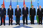 """美副国务卿与中亚五国外长举行""""C5+1""""会谈"""