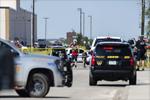美国得克萨斯州枪击事件平民死亡人数升至7人