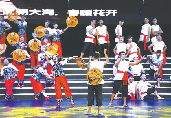 """""""鄞州梦・海丝情""""大合唱比赛昨晚举行21支队伍用歌声抒发对祖国的爱"""