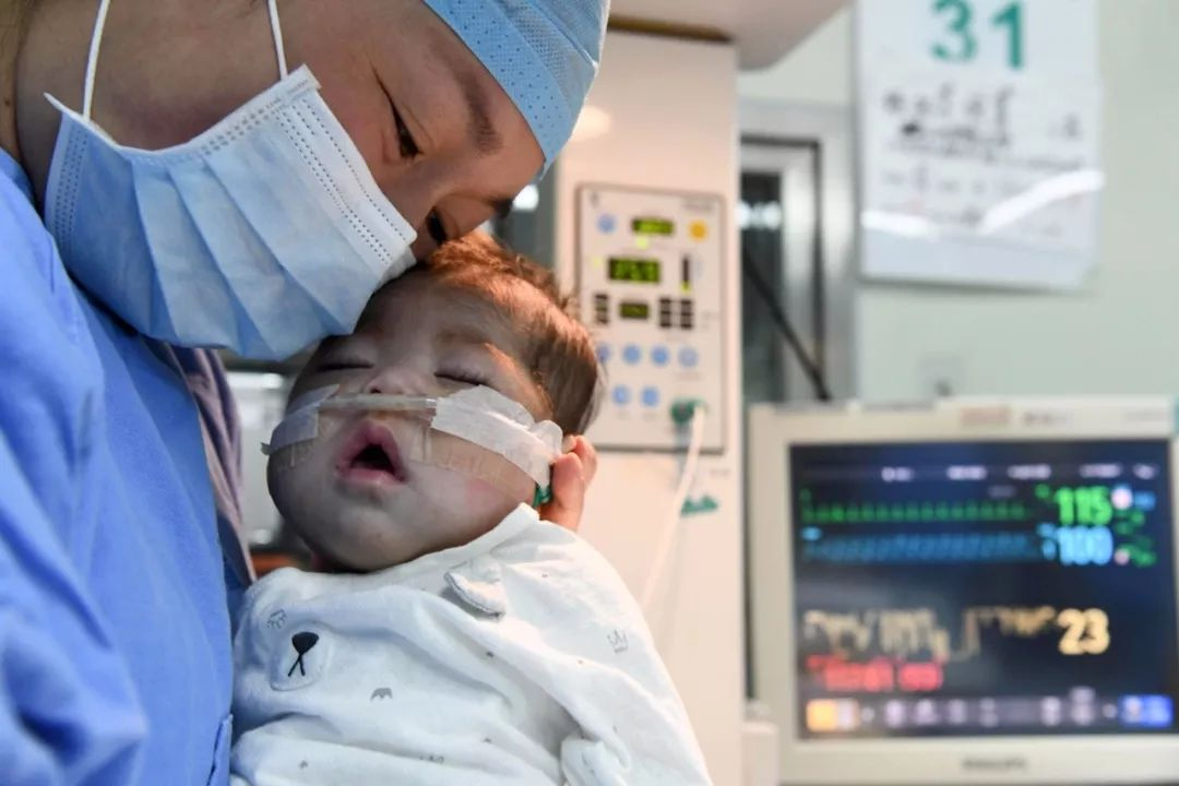 66天大女婴换上4岁男童心脏 创造纪录令人泪目