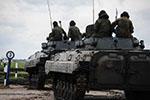 俄罗斯在俄日争议岛屿附近军演 投入8000名兵力