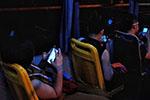 美国科学家发现即使不看手机屏幕 蓝光辐射也会加速衰老