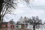 美东北部遭炸弹气旋侵袭:数十万户停电 航班受影响