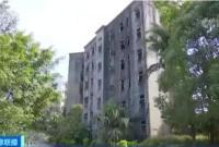 广州一烂尾楼22年未交房:孩子都生娃了房子还没住上