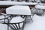 航班取消、事故频发……暴风雪持续袭击美国各地