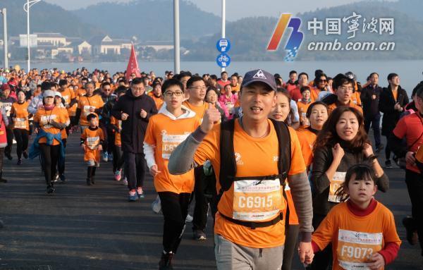 东钱湖马拉松开跑