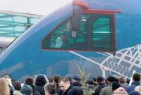 普京参加克里米亚大桥铁路通车仪式 并乘首班列车通过