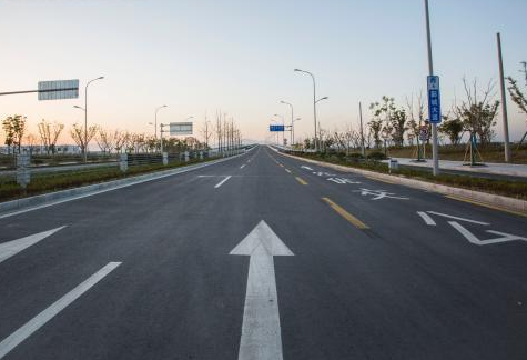 鄞城大道全线贯通 行驶限速每小时80公里