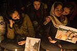 民众悼念乌克兰失事客机遇难者