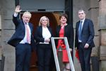 英首相访问北爱尔兰