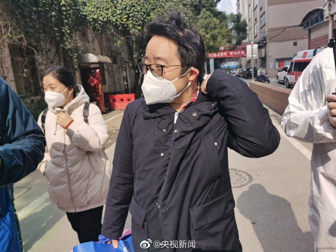 好消息!武汉协和医院首批3名被感染医护人员出院