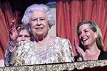 """""""超长待机""""不能停!英女王即位68年:迈过了这些""""坎"""""""