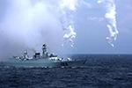 东部战区部队在台岛东南部海域实施海空兵力联合演练