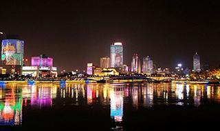 三江六岸主题灯光秀暖心上线