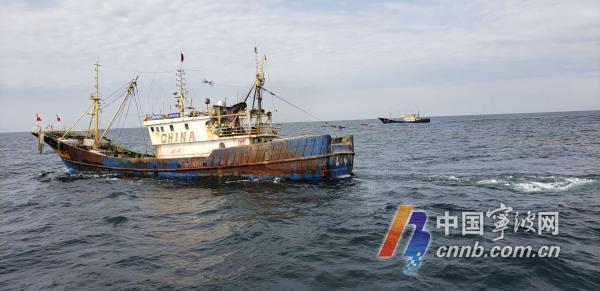 5艘违规渔船已被扣押回石浦港