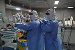 为何武汉中心医院医生被抢救成功却变黑?专家释疑