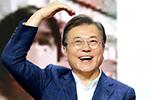 """文在寅喊话韩国民众""""买买买"""":现在消费就是爱国"""