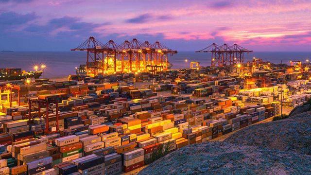 """宁波致力打造港口物流""""阿里巴巴"""""""