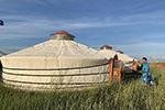 布仁巴雅尔和他的蒙古包