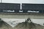 8100吨火车护桥有功!为何重车压梁能抗洪