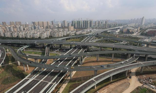 打造都市一小时通勤圈 今年宁波市创建全域交通治堵新格局