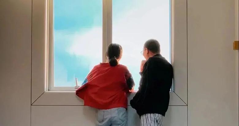 """95后男护士拍下近500张""""窗外"""":这里闪耀着生命的光"""