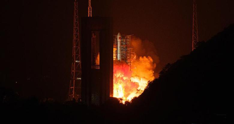 我国成功发射高分十三号卫星