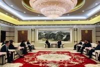 裘东耀会见万科集团创始人、名誉主席王石