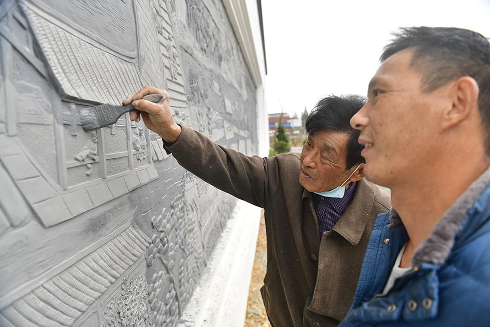 两代非遗人制作大型灰雕作品将在海曙大西坝村亮相