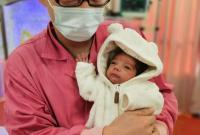 这对外籍夫妻为何在医院大厅献唱《茉莉花》
