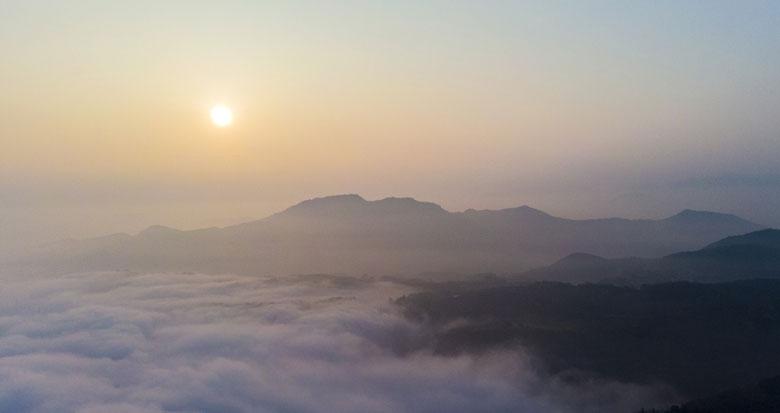 宁波这个小山村出现云海奇观