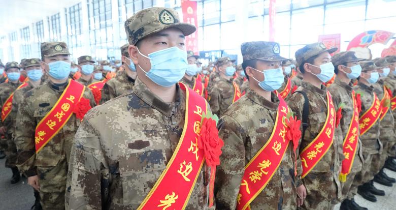 宁波687名新兵奔赴军营