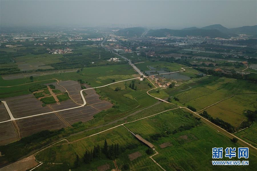 ▲无人机拍摄的位于浙江省杭州市的良渚国家考古遗址公园。