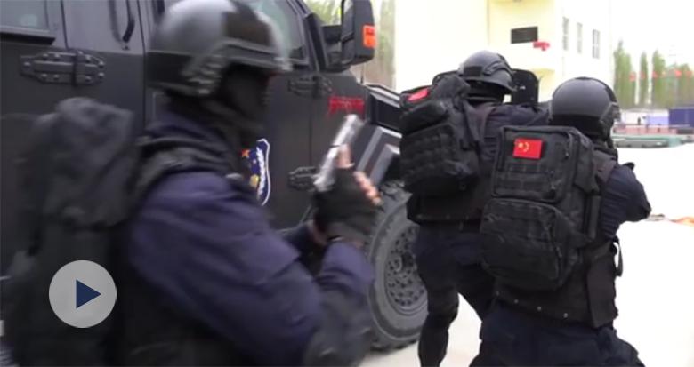帅!这就是新疆公安特警力量